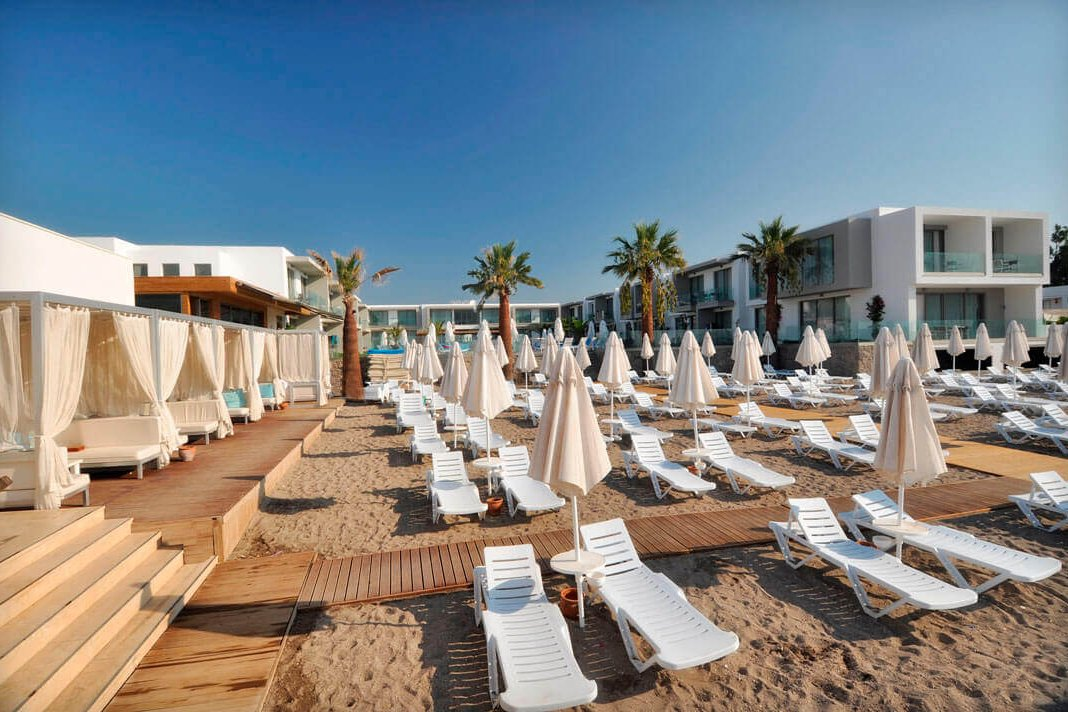 lugga boutique hotel beach 13