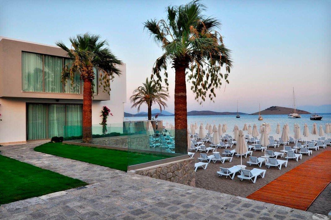 lugga boutique hotel beach 21